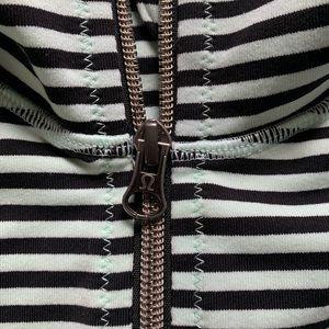 lululemon athletica Jackets & Coats - Lululemon active jacket